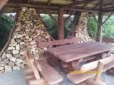 Wyroby ogrodowe z litych bali oraz trzciny wodnej